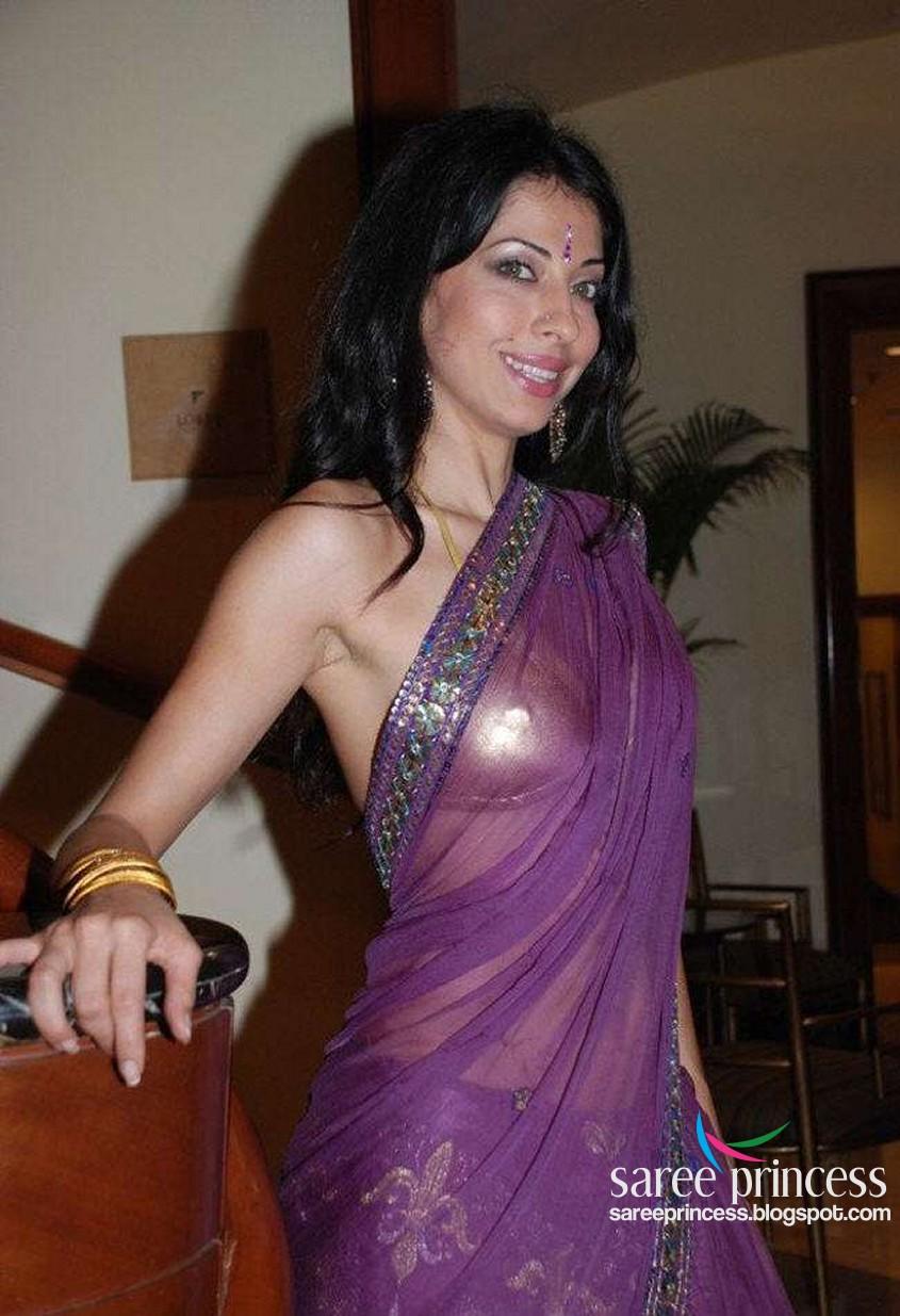 actress in saree hot photos malayalam saree photos serial actress Car