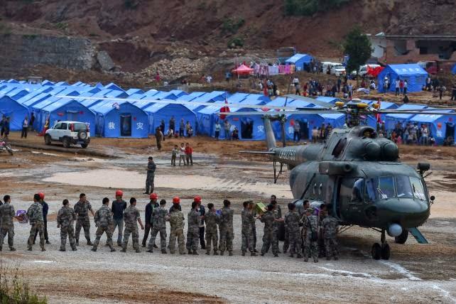 Tiendas de campaña instaladas para los desplazados por terremoto en China