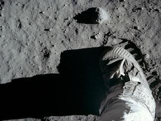 Jejak Buzz Aldrin Di bulan