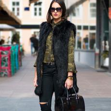 slashed knee jeans with zipps Maison Scotch, camo shirt and black faux fur gilete vest Asos, biker boots Antonela Knežević,