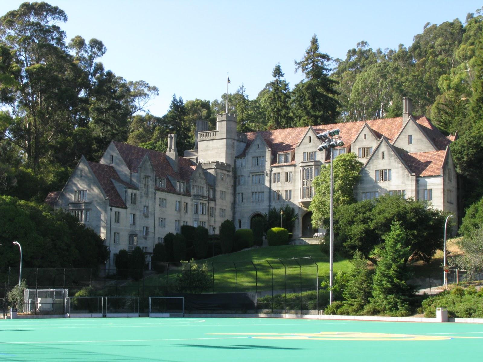 http://2.bp.blogspot.com/-QWJ-3e24-RA/Tnz0UnZ0ZaI/AAAAAAAAAY0/glHM4voMoSs/s1600/manoir+berkeley+manor.JPG