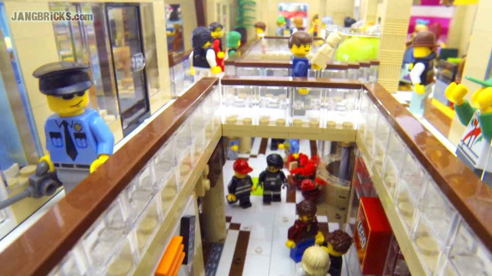 JANGBRiCKS LEGO Shopping Mall complete!
