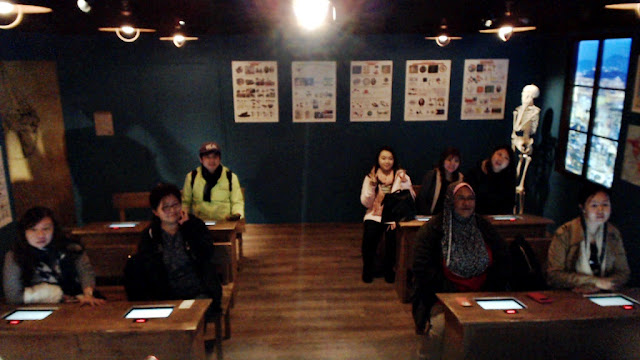 Inside Inventors' classroom Grevin Museum | www.meheartseoul.blogspot.com