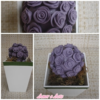 Vaso com mini rosas em biscuit, boll lilás