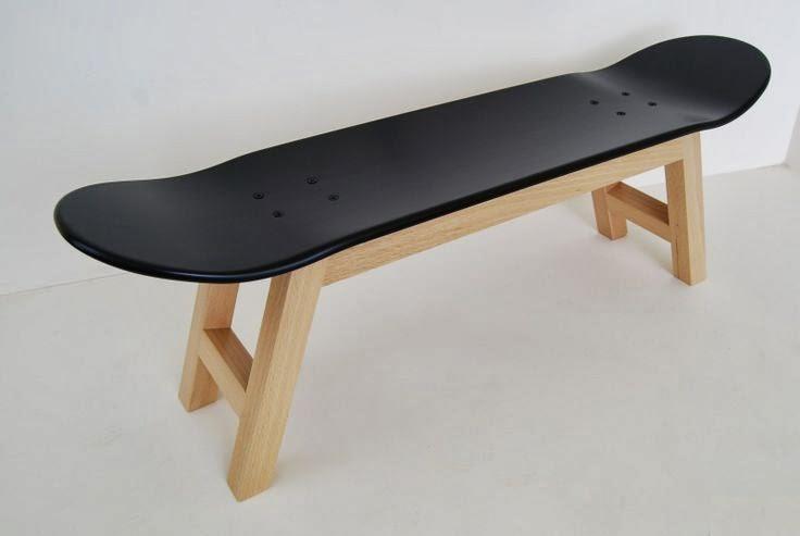 banco hecho con tabla de skateboard