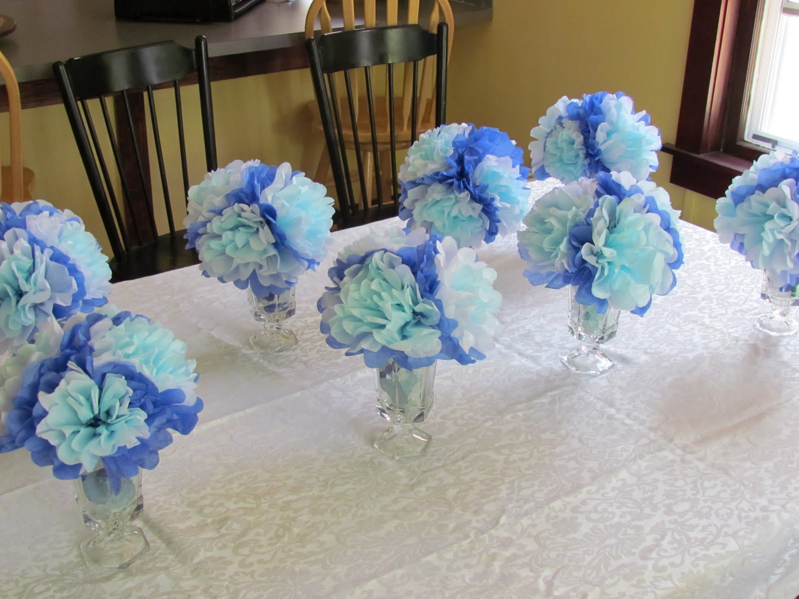 Cheap baby shower decoration ideas girls baby shower for Baby shower centerpiece decoration