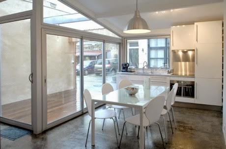 desain-interior-rumah-tinggal-modern-berawal dari-garasi-tua-008