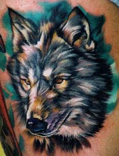 Tatuagens lobos colorido