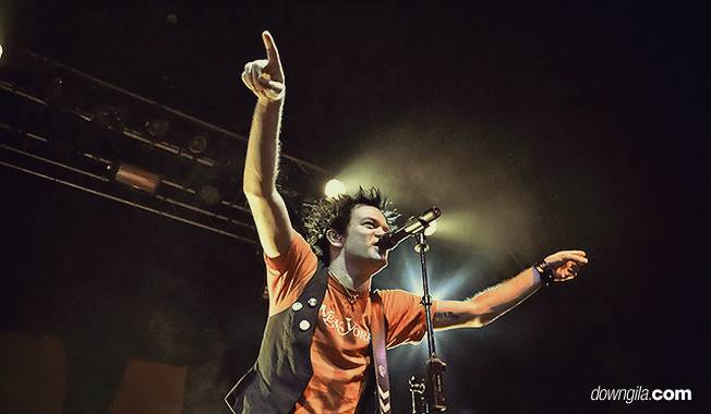 sum 41 deryck whibley live in indonesia 2012