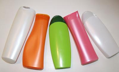 10 ideias criativas e úteis para móveis e objetos: Embalagem de Shampoo para carregar seu celular