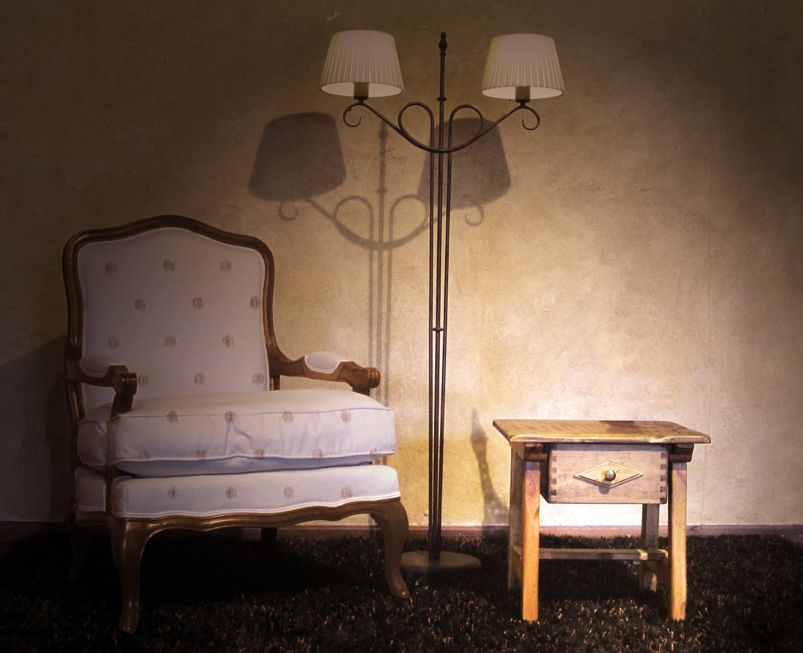 Carpinteria y decoraci n navas una mesita de noche en el - Mesita de salon ...