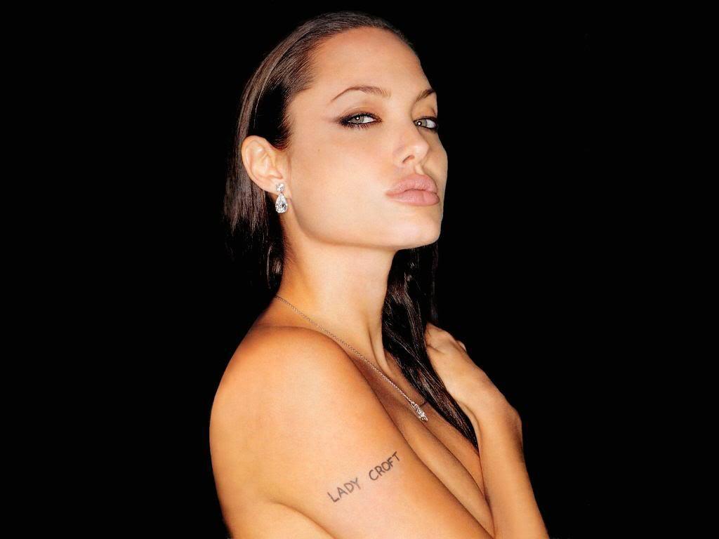 http://2.bp.blogspot.com/-QXzlHIIAlrk/TmN8PrZyqQI/AAAAAAAAARM/bvOLtU0fqTc/s1600/angelina_jolie_tattoos_pictures.jpg