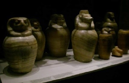 egyptian-urns-427.jpg