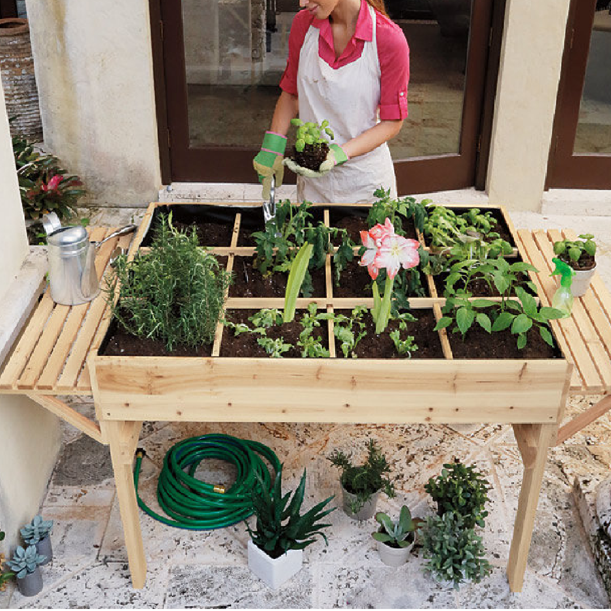 Table de jardinage en hauteur for Creer une table de jardin