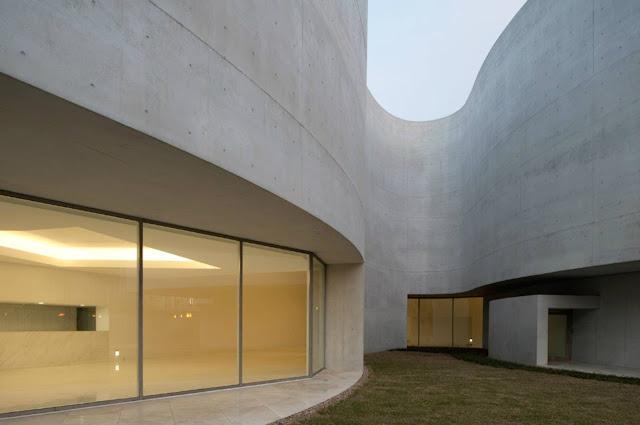 08-Mimesis-Museum por Alvaro Siza-Viera-