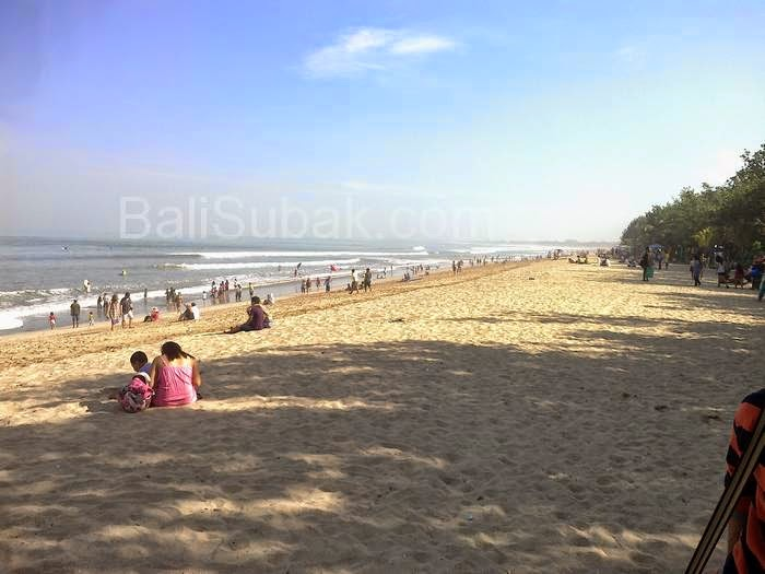 Attractions of Kuta Beach on Sunday