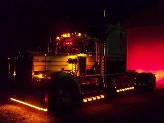 1981 Kenworth W-900A Aerodyne Night Shot Jax Wax Customer