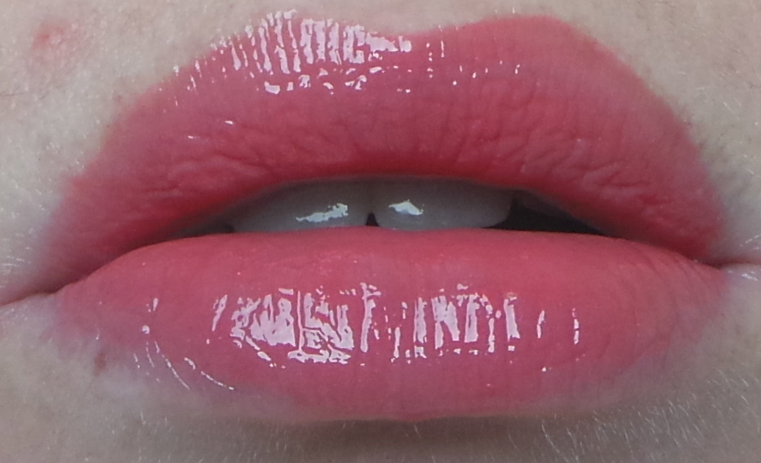 Chanel Rouge Allure gloss review Affriolant