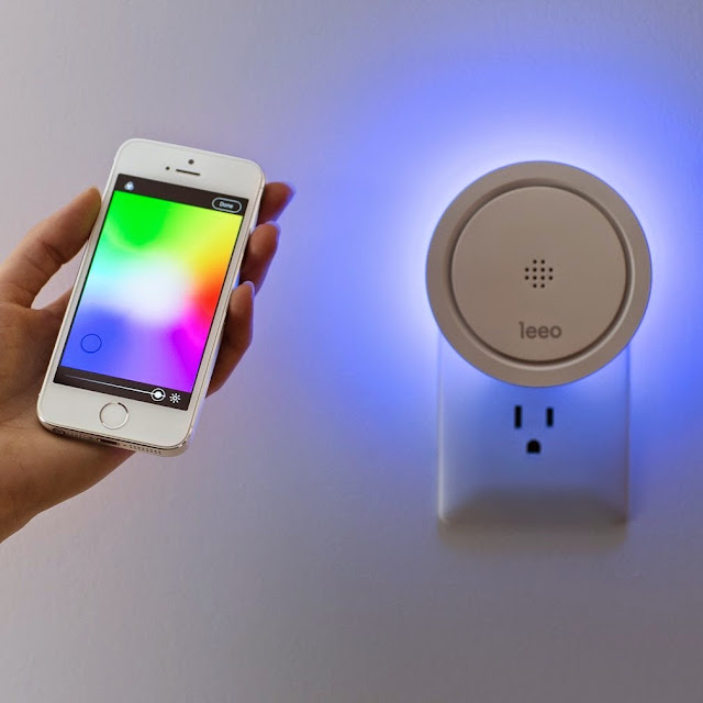 Best Night Gadgets for You - Leeo Smart Alert Nightlight