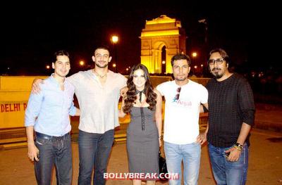 Sunny Leone at Delhi Gate