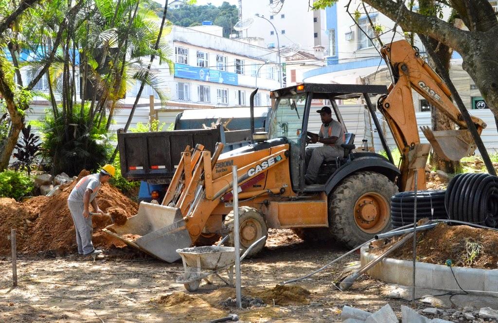 Praça Olímpica está sendo totalmente remodelada pela Prefeitura