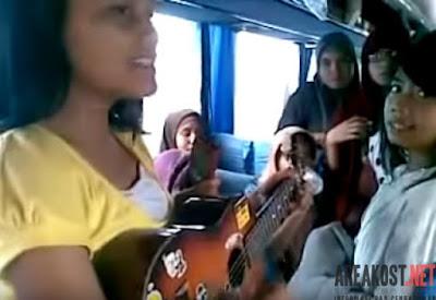 Suara Pengamen Cewek Dalam Bis Antar Provinsi Sangat Merdu