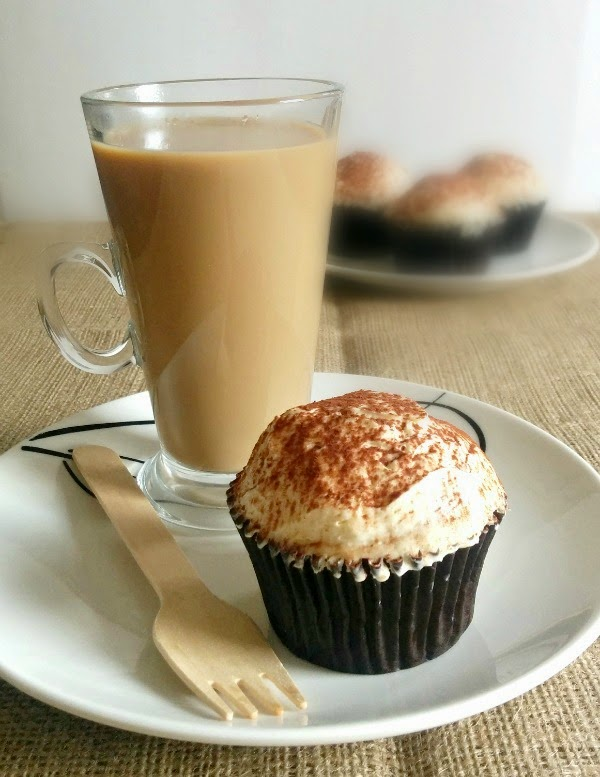 Tiramisu Cupcakes / mylittlekitchenblog.co.uk