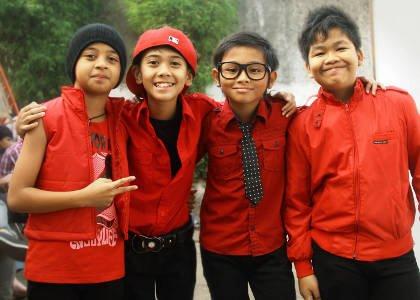 http://2.bp.blogspot.com/-QZobxUm1BuY/UDuIuGEPcMI/AAAAAAAAC9A/rWW6OilBXu8/s1600/foto-coboy-junior.jpg