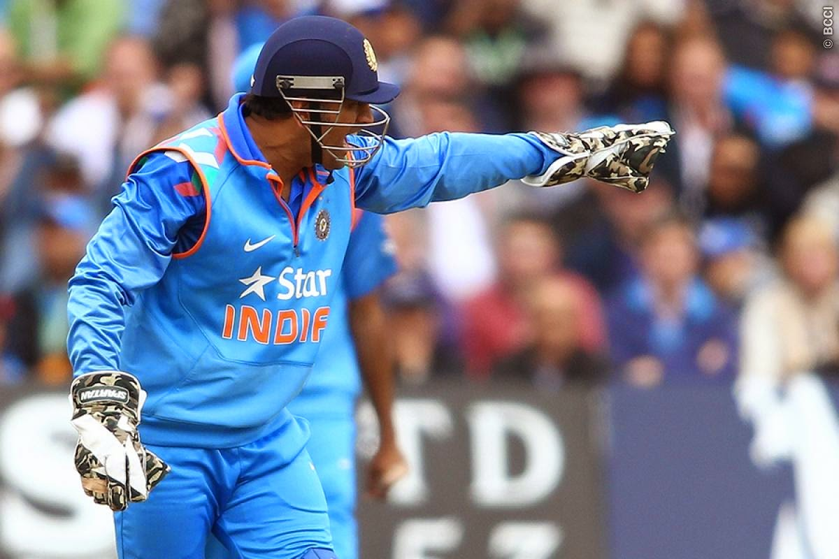 MS-Dhoni-Englnad-vs-India-3rd-ODI-2014