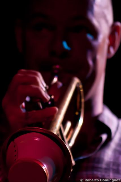 Damon Brown, trompeta