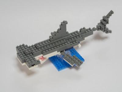 ナノブロックのホホジロザメを改造して、ヒラシュモクザメ