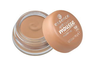 essence most loved collection – soft touch mousse make-up - www.annitschkasblog.de