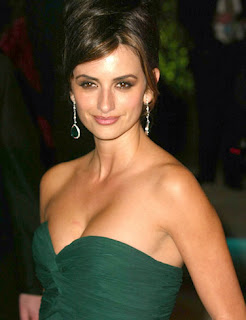 Penelope Cruz Hair, Long Hairstyle 2013, Hairstyle 2013, New Long Hairstyle 2013, Celebrity Long Romance Hairstyles 2044