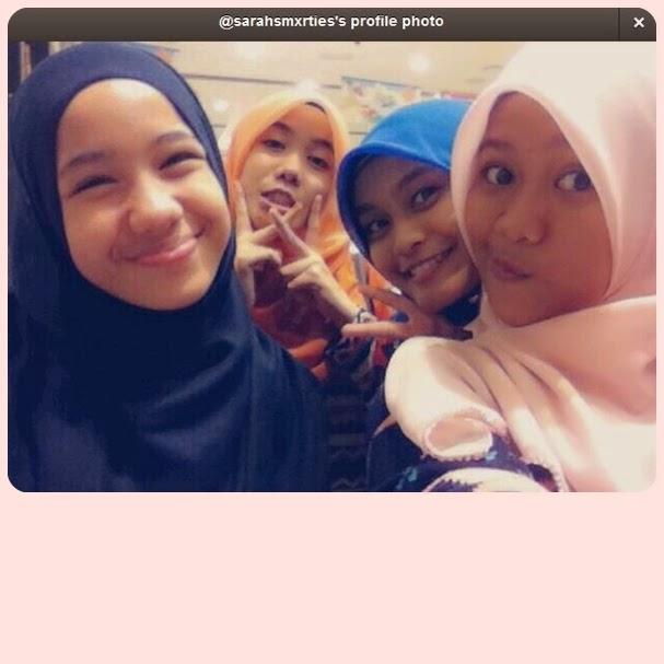 From left : Tisyia, Mai, Syahira, me :)