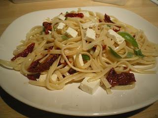 pasta-tomates secos-queso feta-comosinoexistieraelmanana