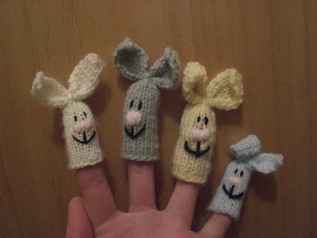 Knitting Patterns For Finger Puppets Free : anna knits, etc.: knitting, etc. - knit finger puppets