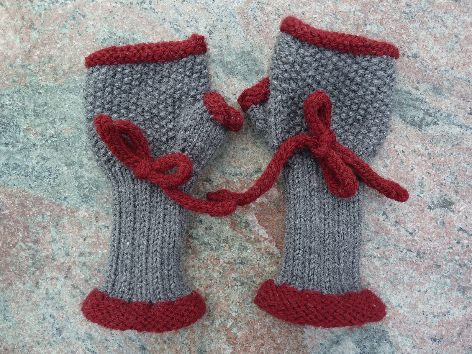 Knitting New England: Neo-Victorian Mitts: a free knitting pattern