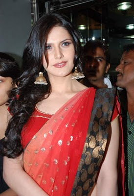 bollywoodtip blogspot   zarine khan pictures in red