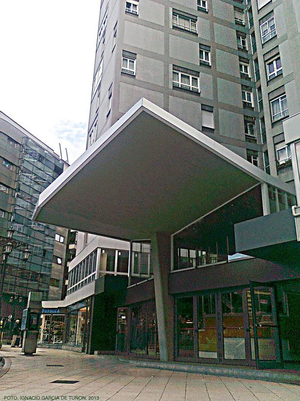 Arquitectura de oviedo 1850 2000 edificio alsa oviedo for Oficina alsa oviedo