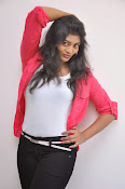 Sowmya Glamorous photos at Galata Audio-thumbnail-20