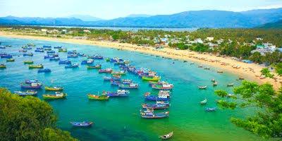 Pueblo de pescadores - Lanchas en la playa