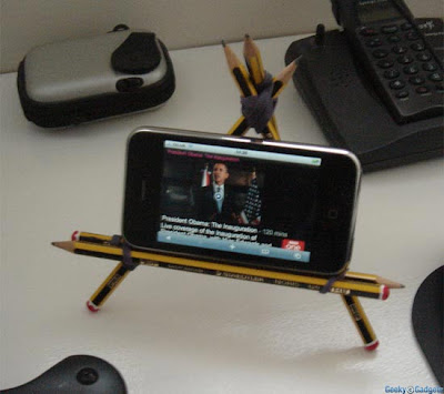 Unique iPhone Holders and Unusual iPhone Holder Designs (15) 13
