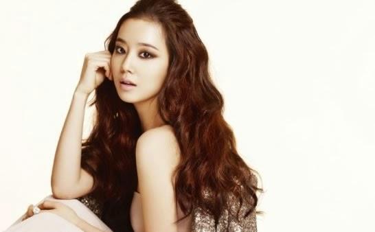 Moon Chae-won photo 005