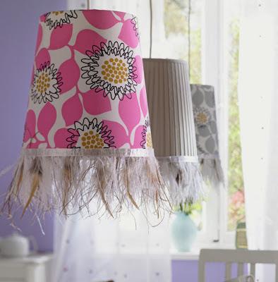 lámparas decorada con plumas