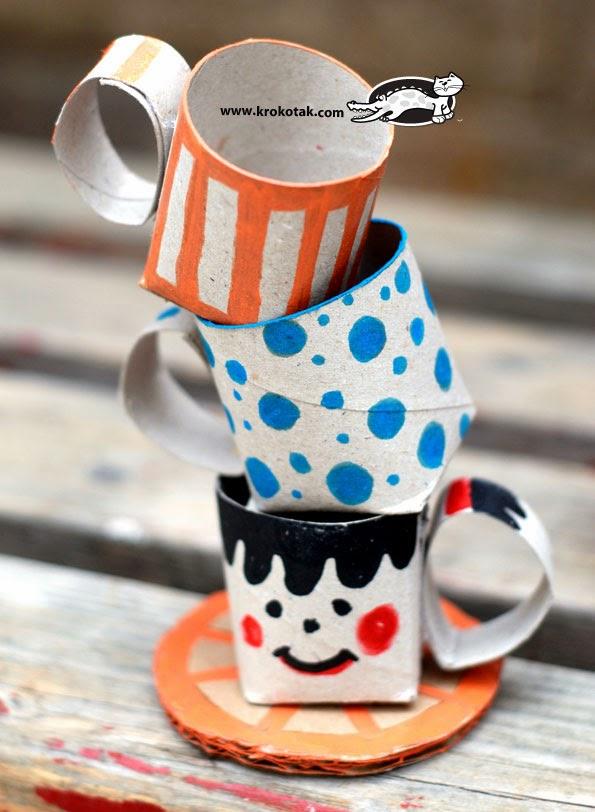 Juego de café con rollos de papel higiénico en Recicla Inventa