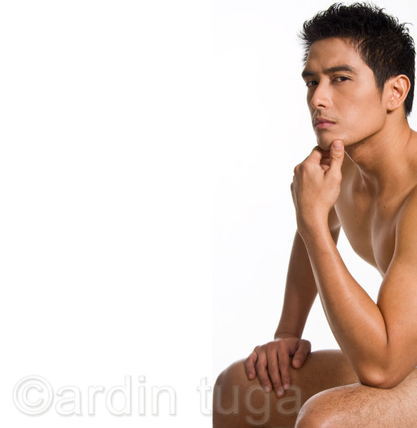alfred vargas naked body picture