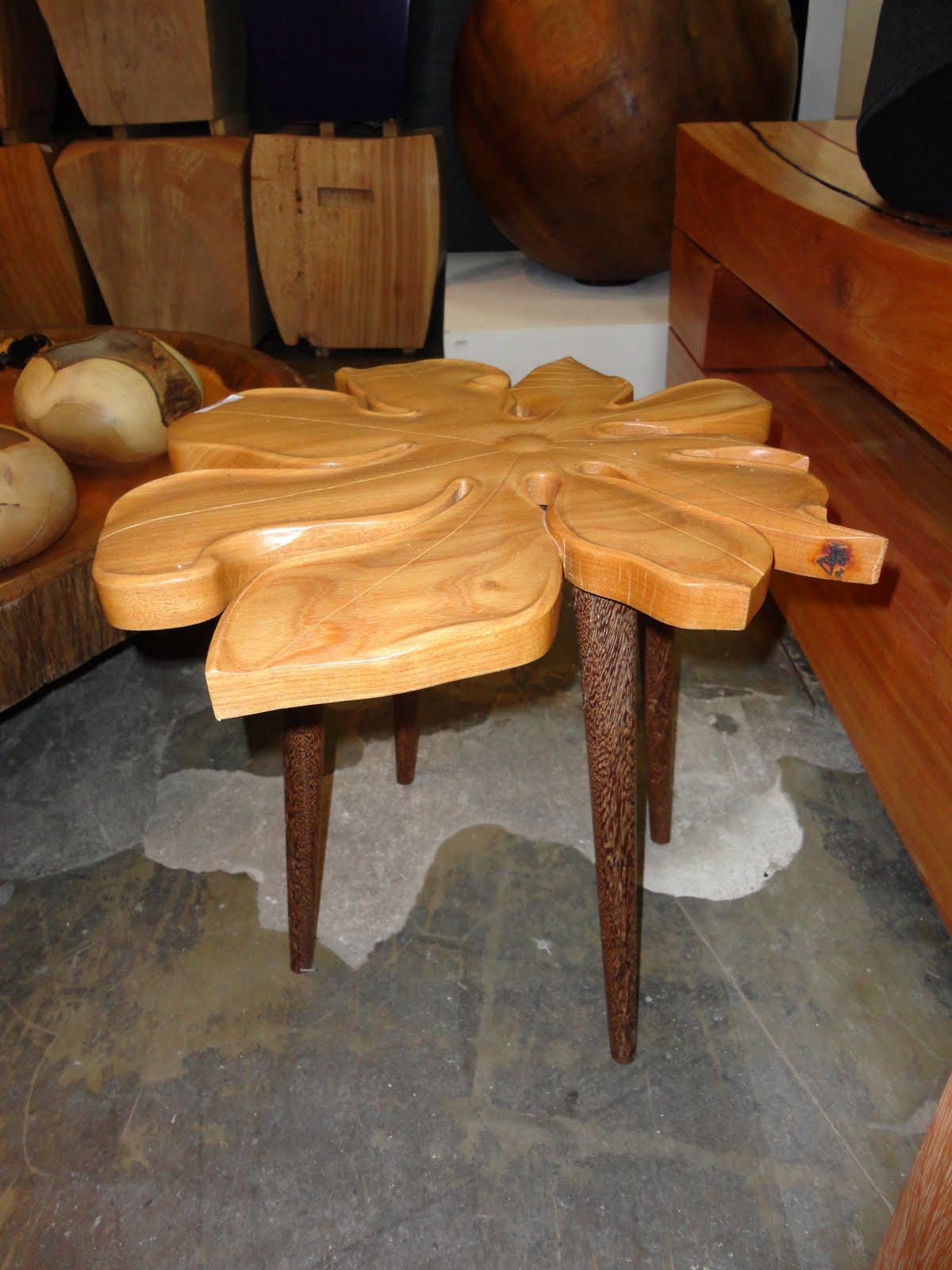 fofa uma flor esculpida no tronco de madeira uma verdadeira arte #BE710D 1200x1600