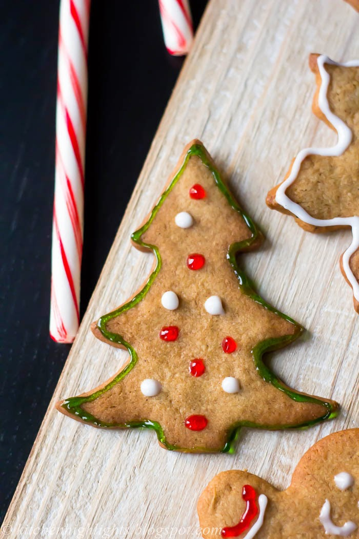 Warm holidays flavors such as cinnamon, ginger, molasses and cloves will tingle your taste buds in this gingerbread cookie recipe