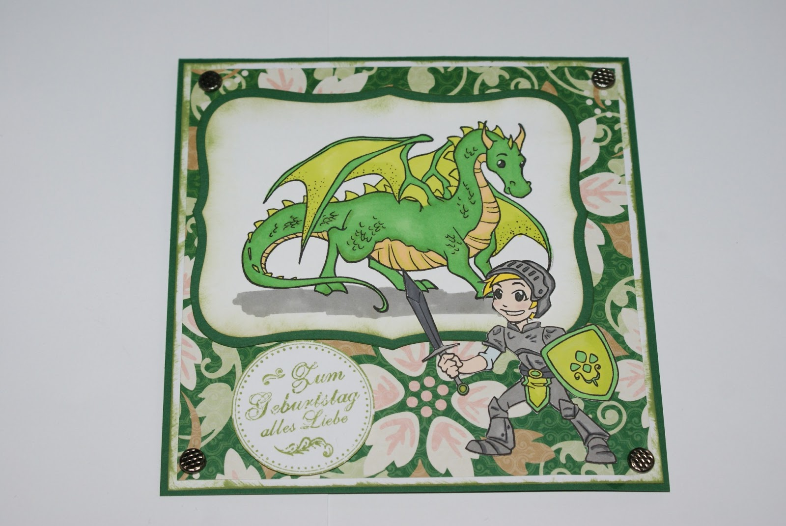Vampirschmetterlings Basteleck: Geburtstagskarte für einen Ritter