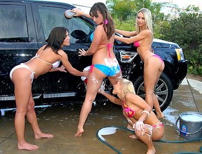 Hot teens at car wash - XVIDEOSCOM